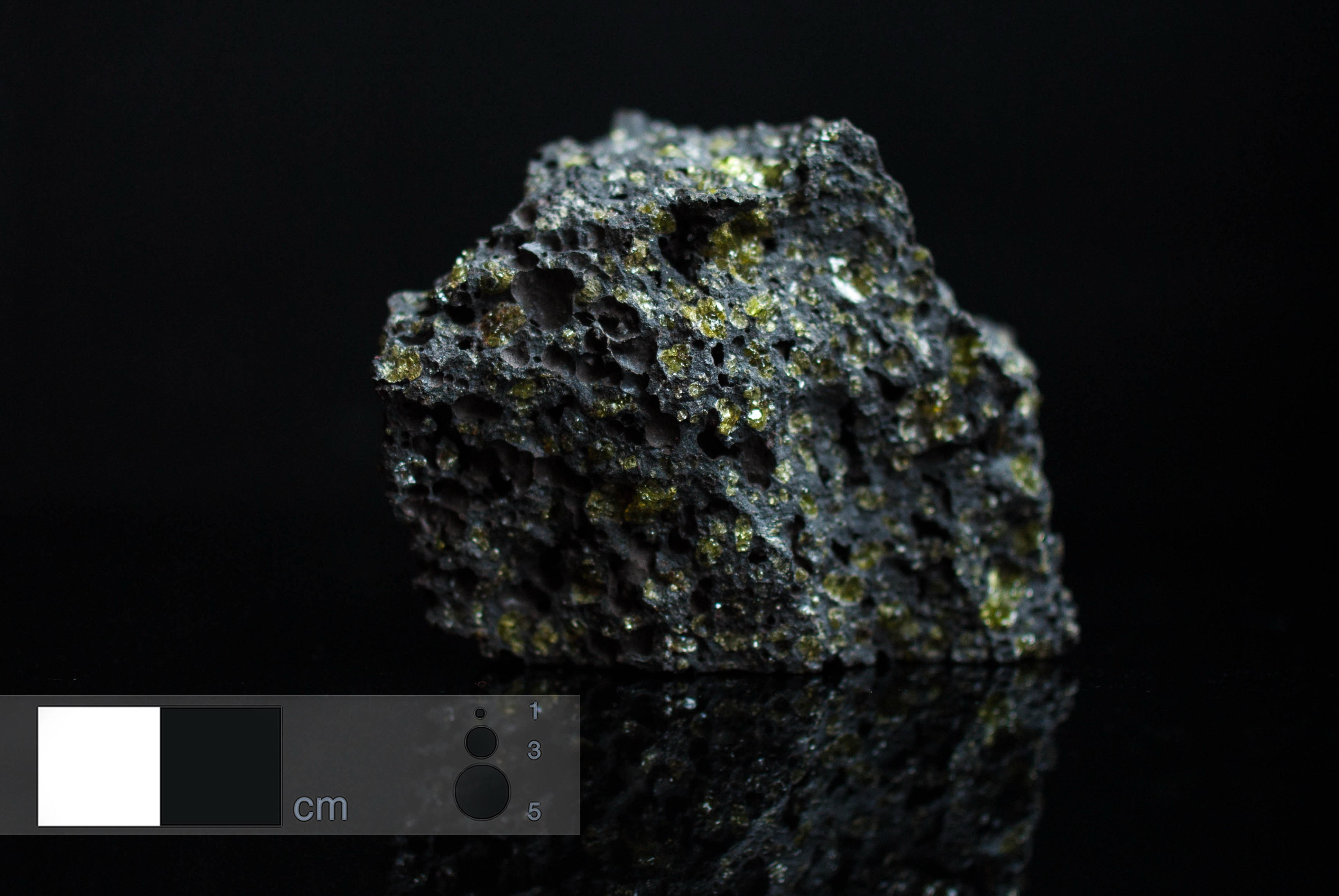 Oceanite - Macro